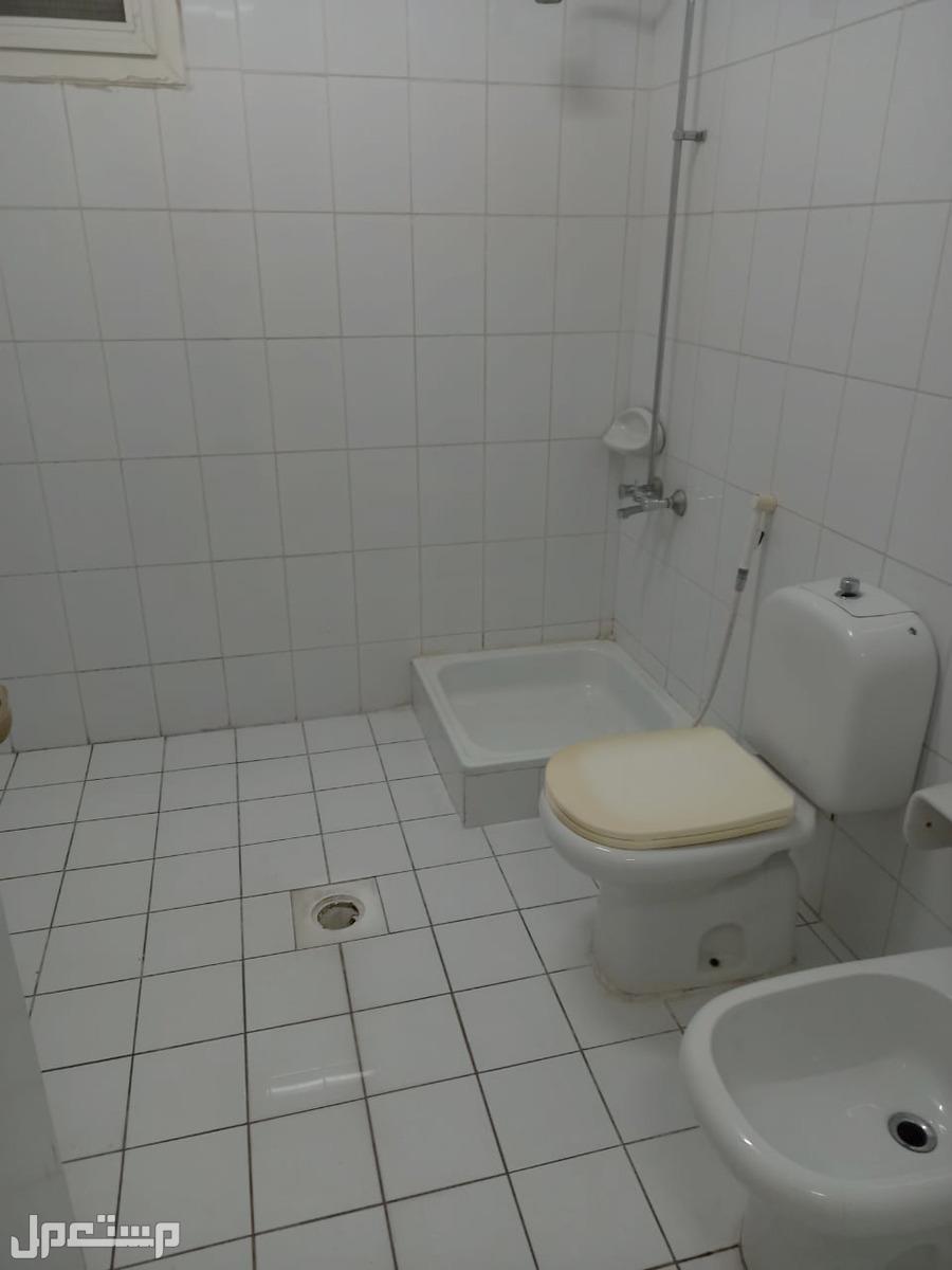 شقة للإيجار بجدة بسعر وموقع مميز جداً