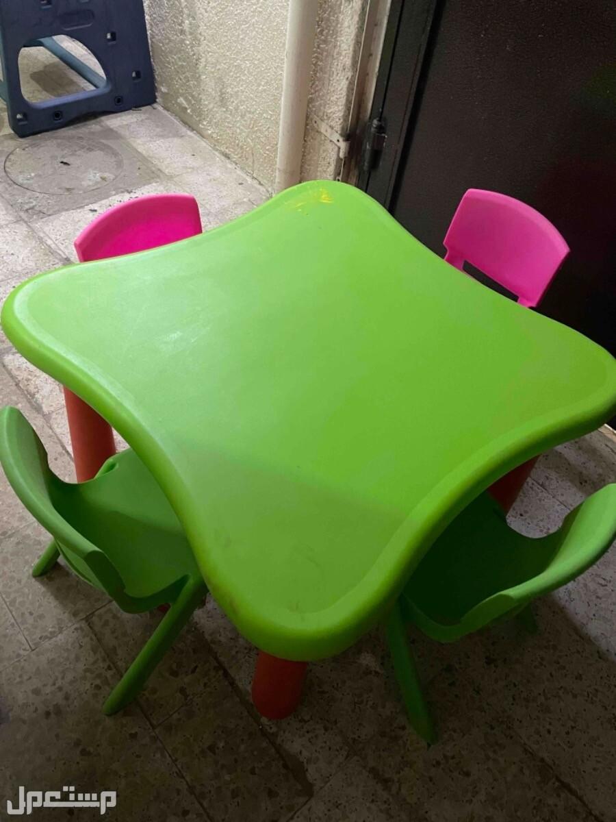 اثاث طاولتين و5 كراسي