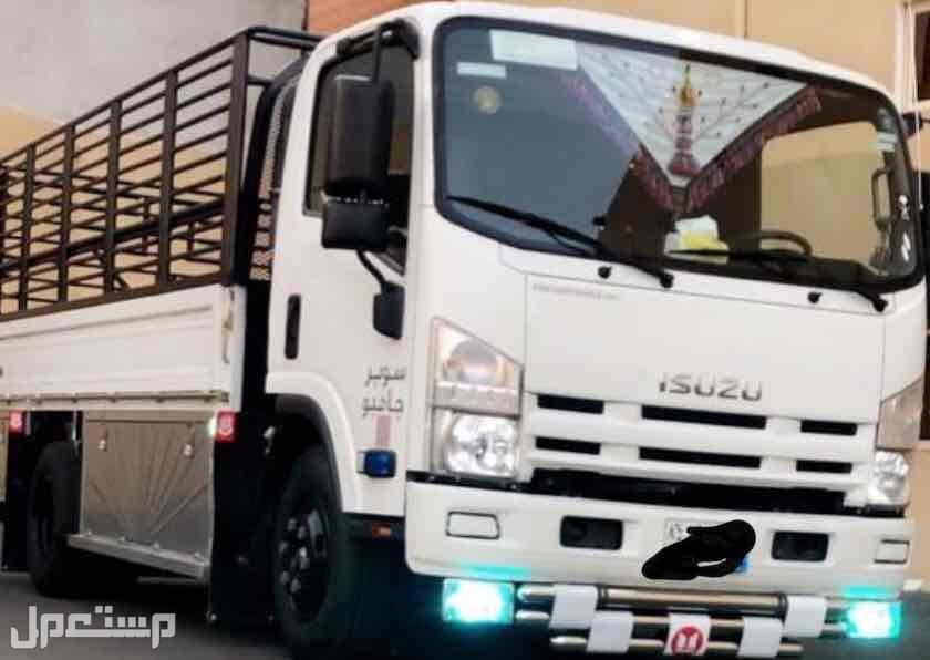 نقل اثاث و بضائع داخل وخارج الرياض