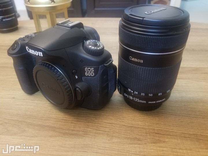 كاميرة كانون D60 مع العدسة