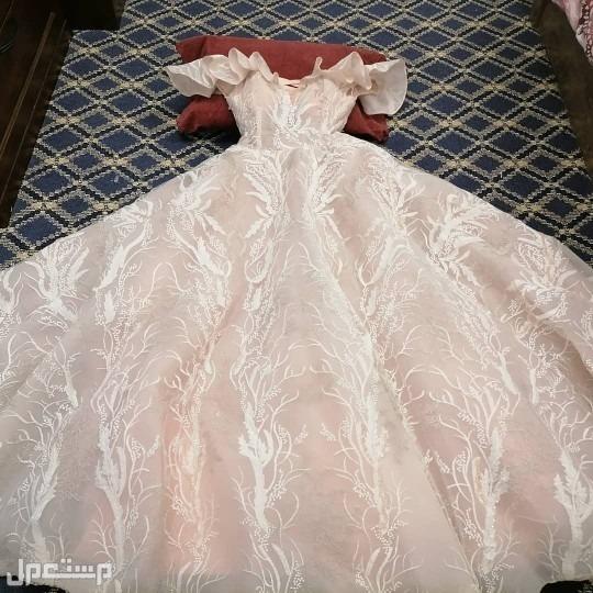 فستان ملكة أو خطوبه