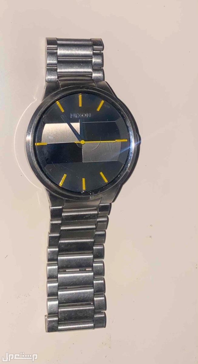 ساعة Nixon