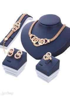 تبوك طقم مجوهرات مطلي بالذهب والكريستال