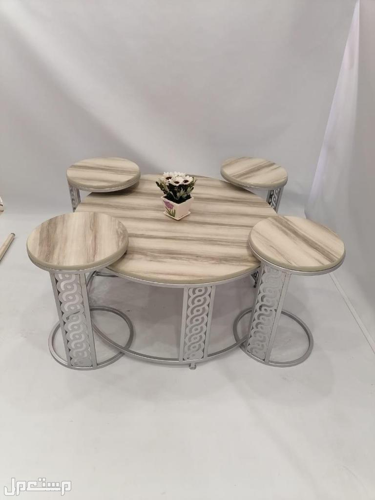 طاولات حديد