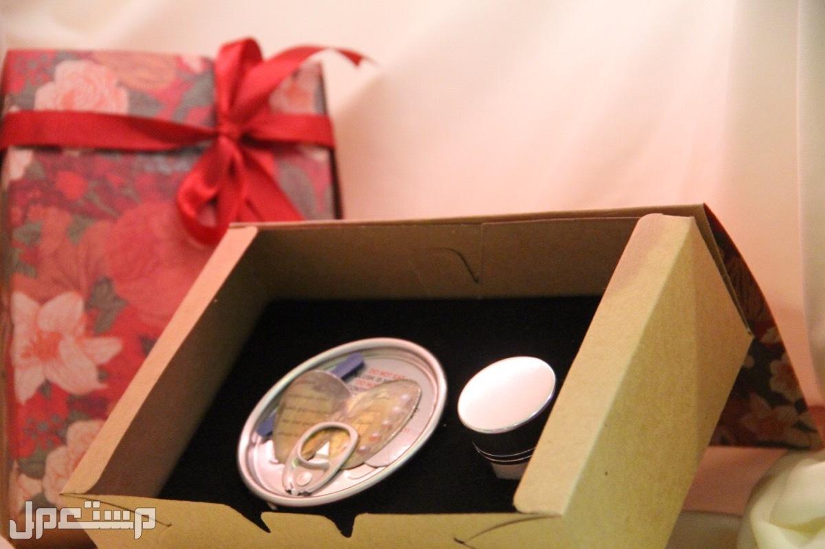 هدية نادرة وجديدة (لؤلؤ) طبيعي داخل محار