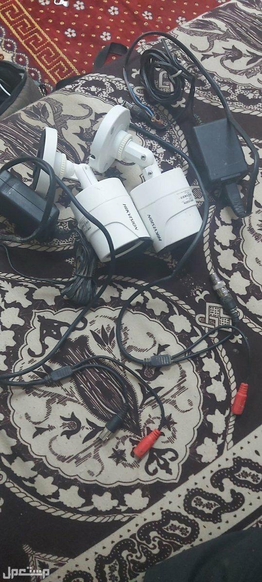 كاميرتين مراقبة HIKVISON