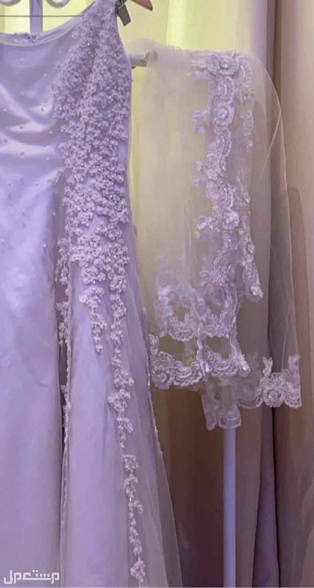 فستان عروس بتصميم فرنسي