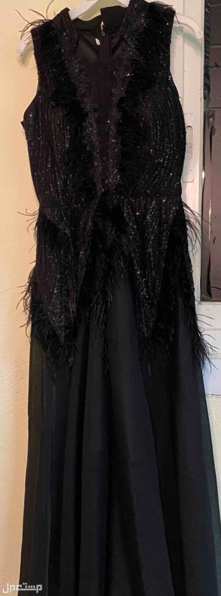 فستان اسود مستعمل