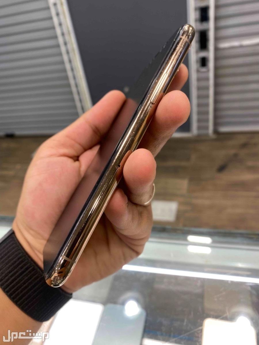 للبيع ايفون 11 برو مستخدم