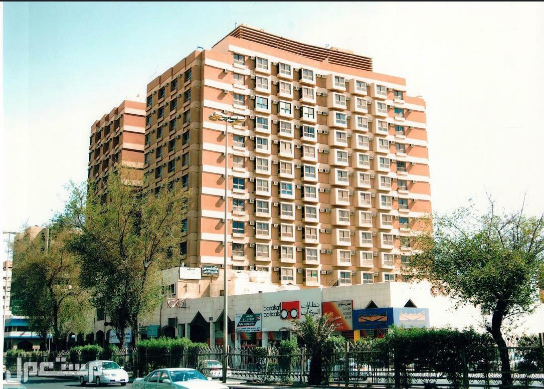 للبيع عمارة تجارية سكنية بطحاء الرياض