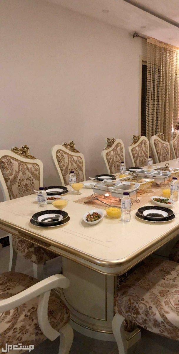 السلام .. طاوله طعام