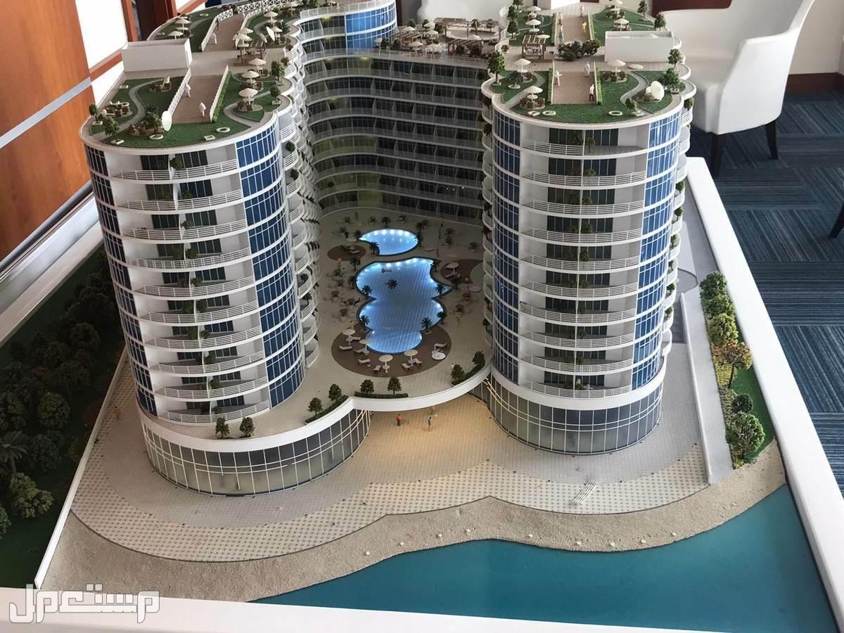 تملك البحر في منتجع المهرة الفندقي مع عوائد استثمارية مضمونة بالعقد 8% مجسم المنتجع