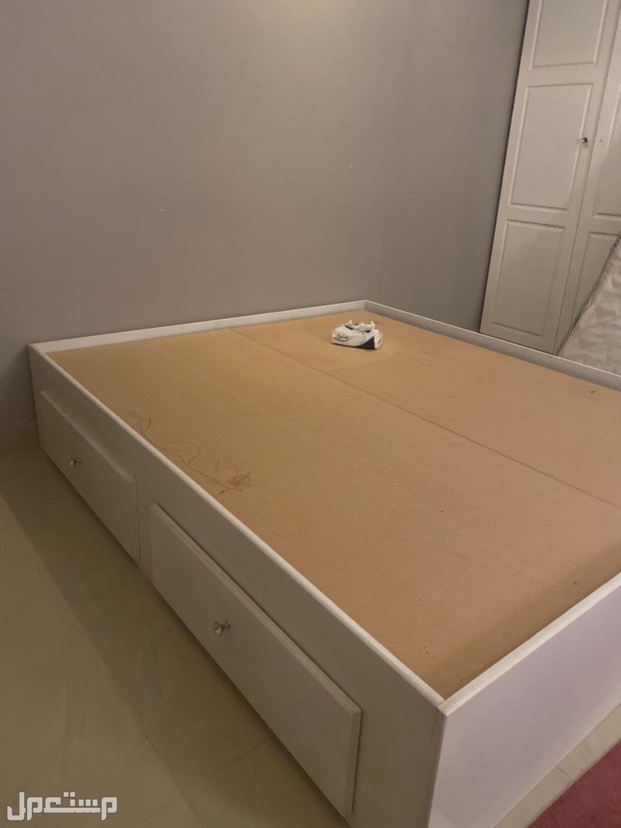سرير نفرين كبير وجديد استعمال نظيف جدا