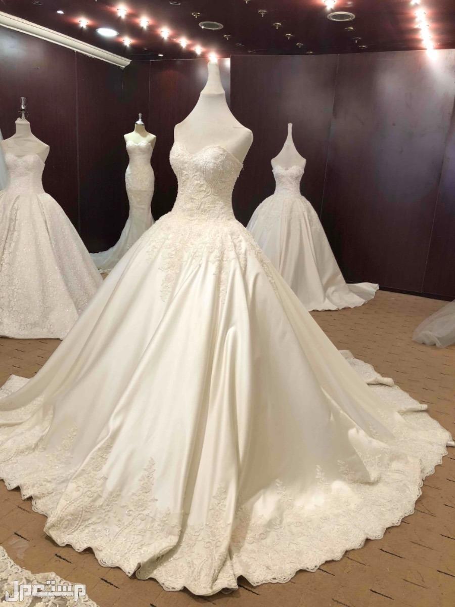 فستان ( عروس ) للبيع انا مركبه له اكمام