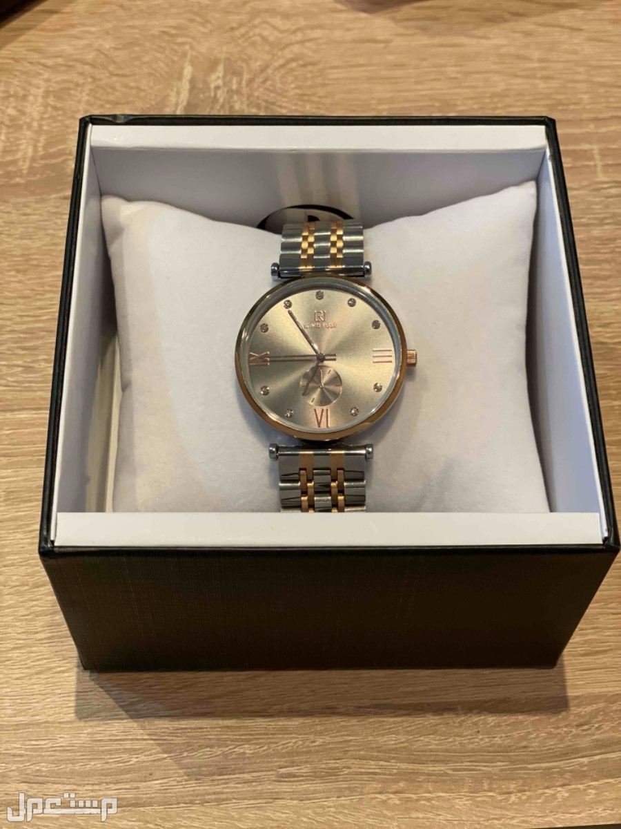للبيع ساعة استخدام خفيف