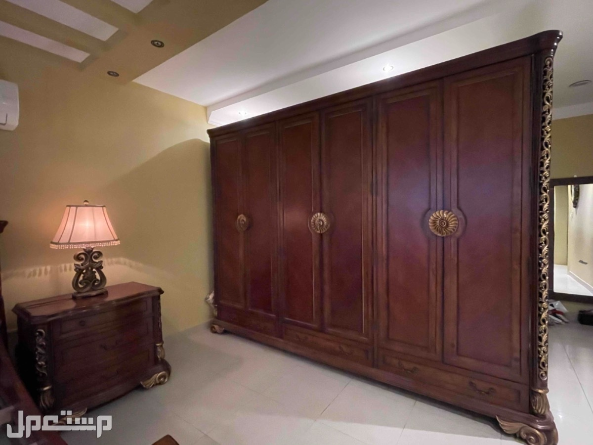 غرفة نوم امريكي للبيع دولاب كبير