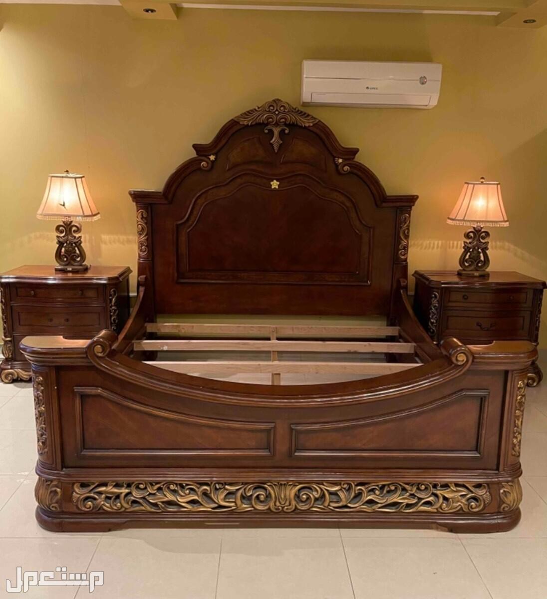 غرفة نوم امريكي للبيع سرير كبير 2م * 2م