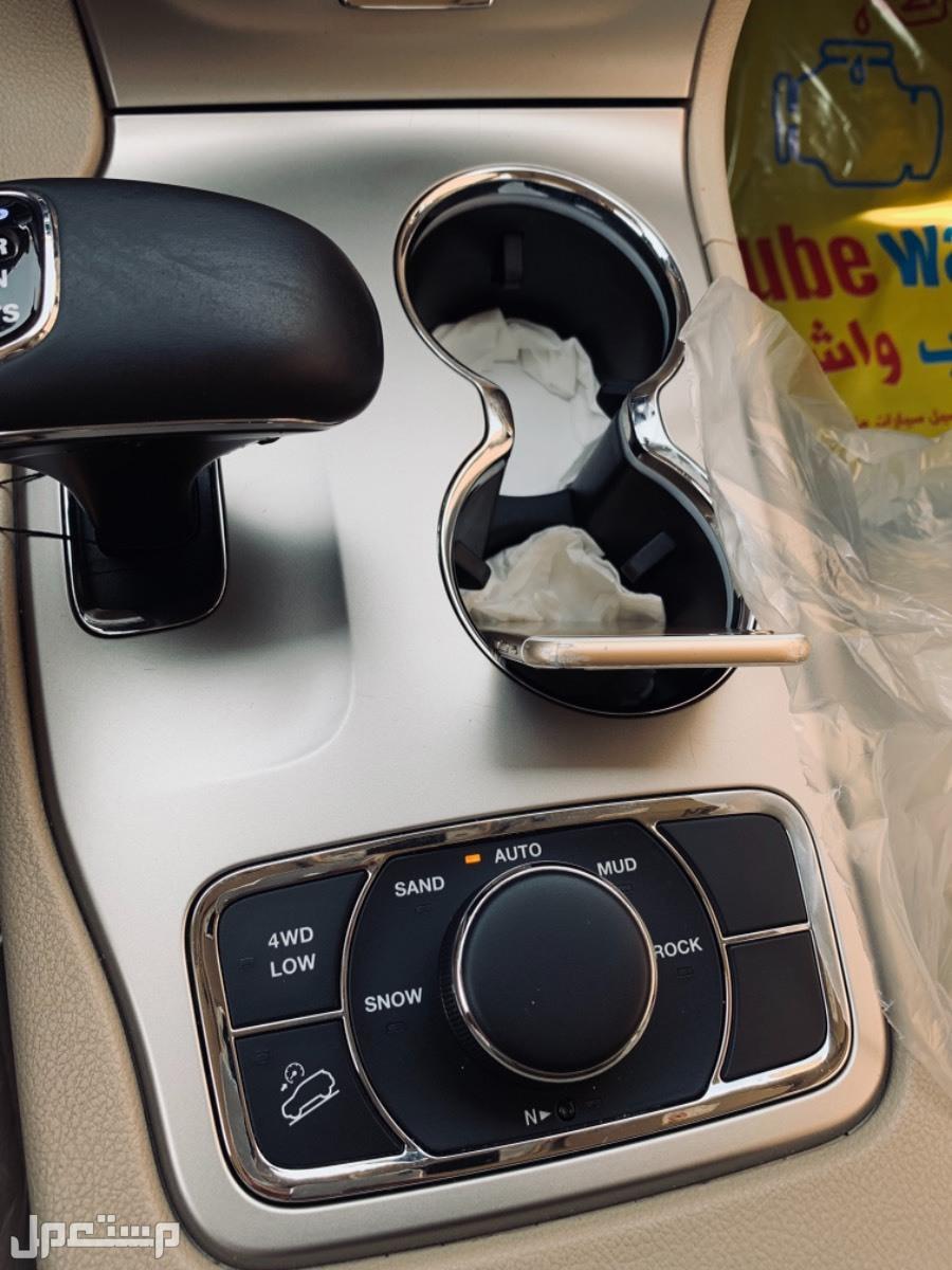 جيب جراند شيروكي 2015 مستعملة للبيع