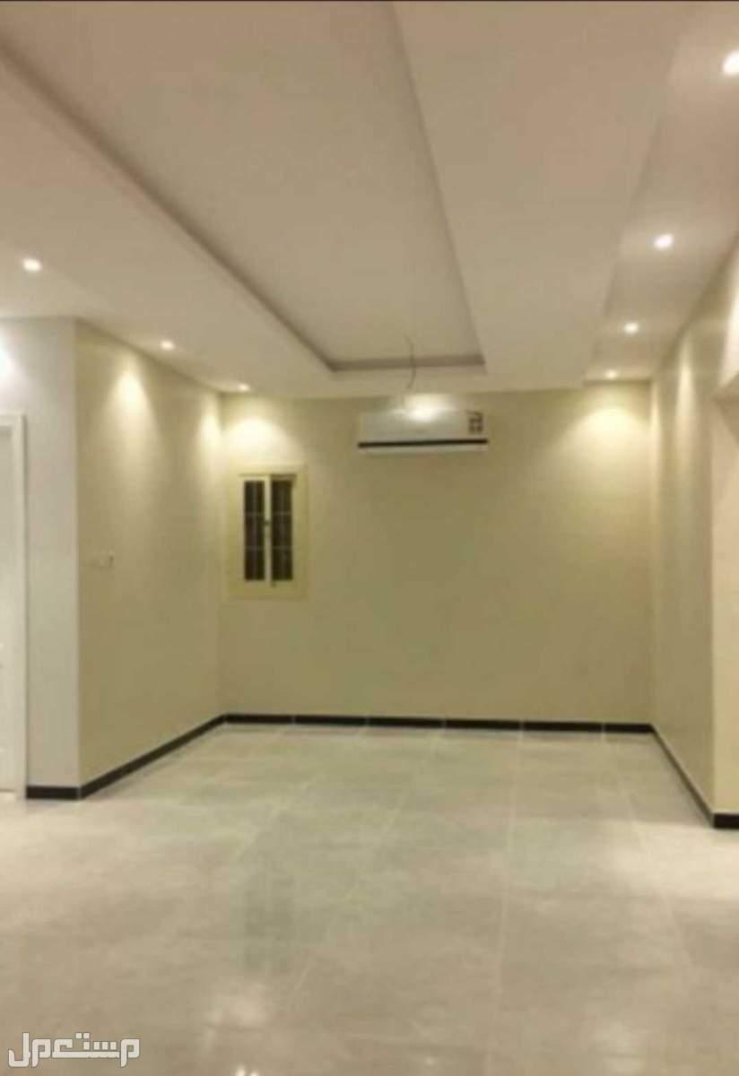 شقة تمليك أمامية 5 غرف بسعر مغري من المالك