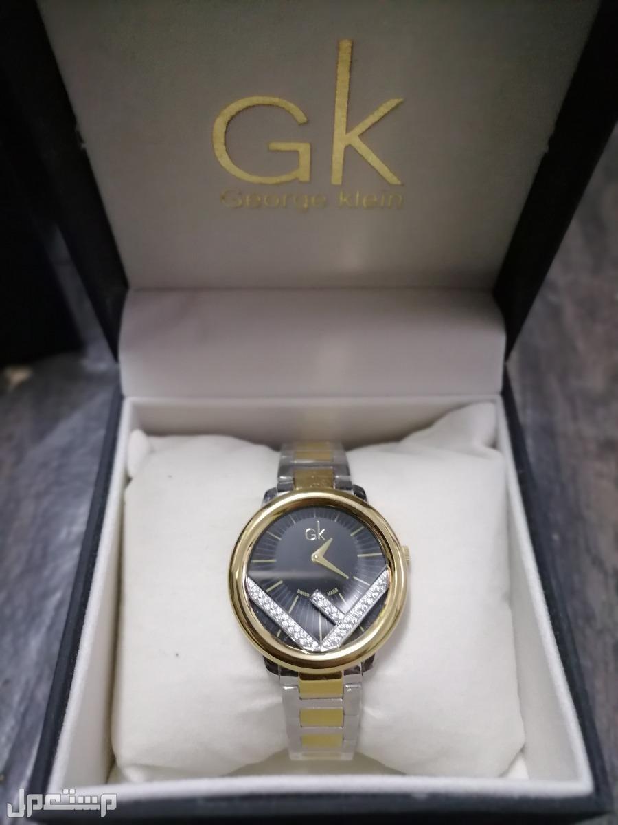 ساعة يد مع عطر للبيع