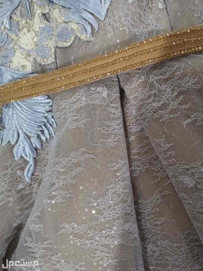 فستان من الكويت نظيف جداً
