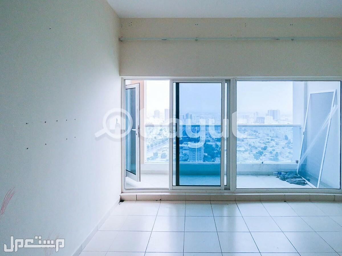 تملك غرفتين وصاله اطلالة مميزة بجوار بحر عجمان والشارقه فقط 30 الف واستلم