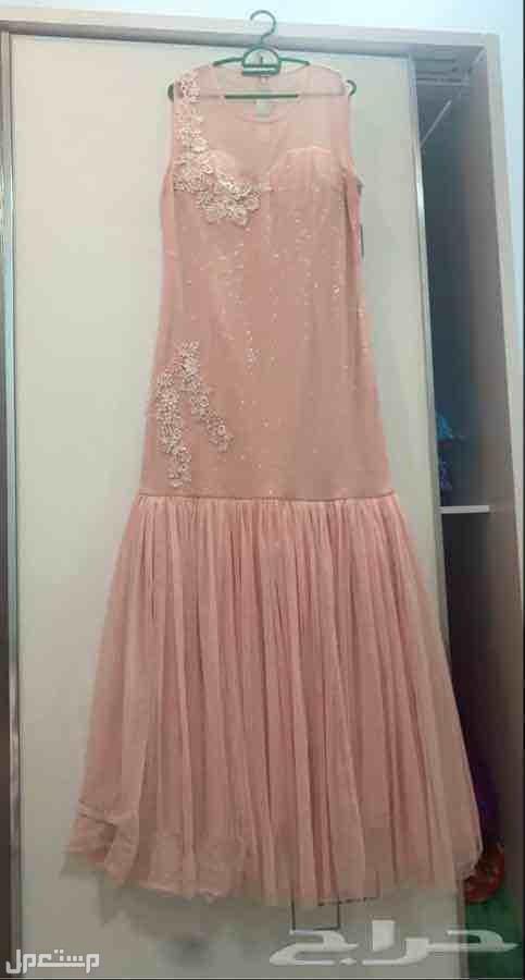 بيع الفساتين