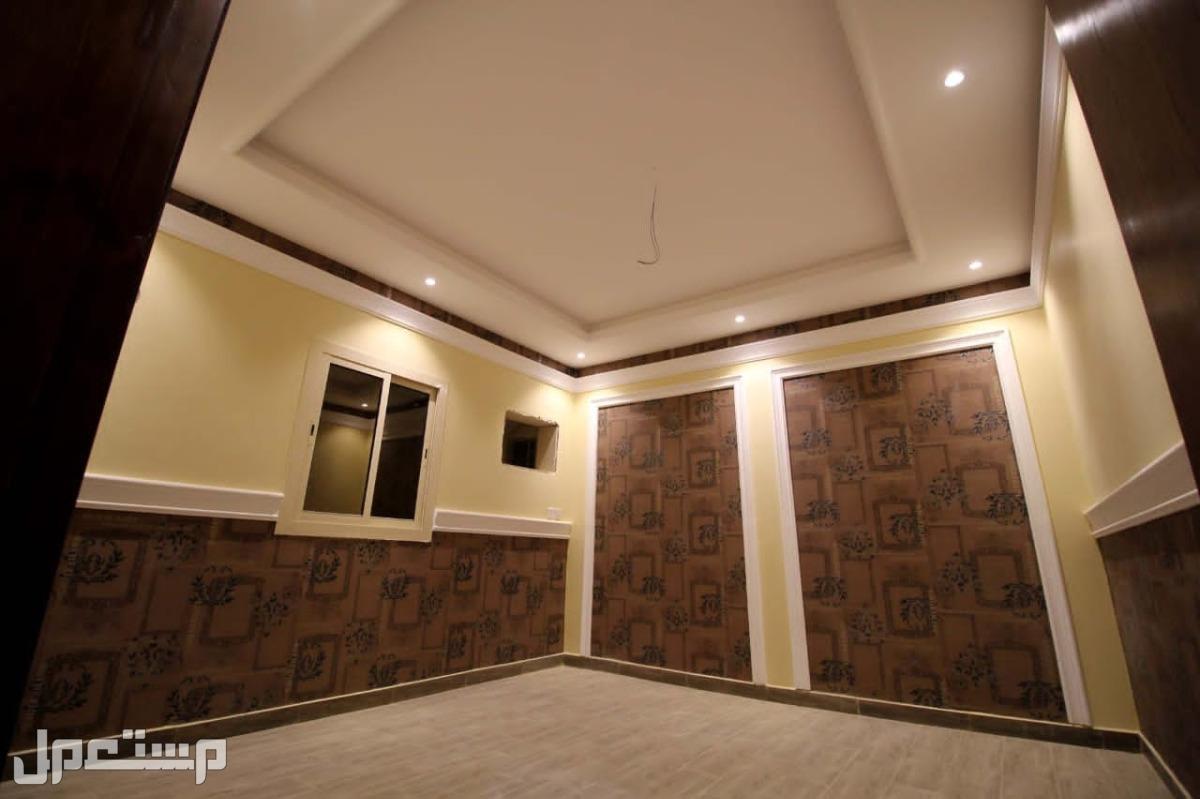اربع غرف بمدخلين علا شارعين شرق كبري فلسطين