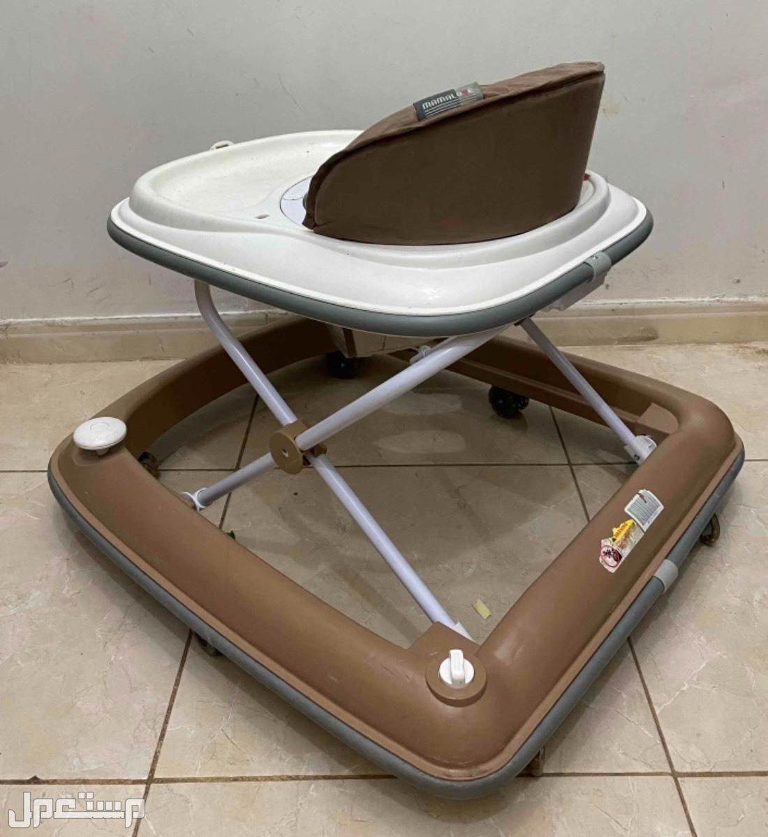 كرسي مشاية للأطفال مستعمل
