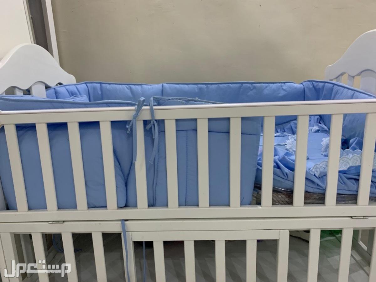 سرير طفل كرسي اطفال استخدام شهرين