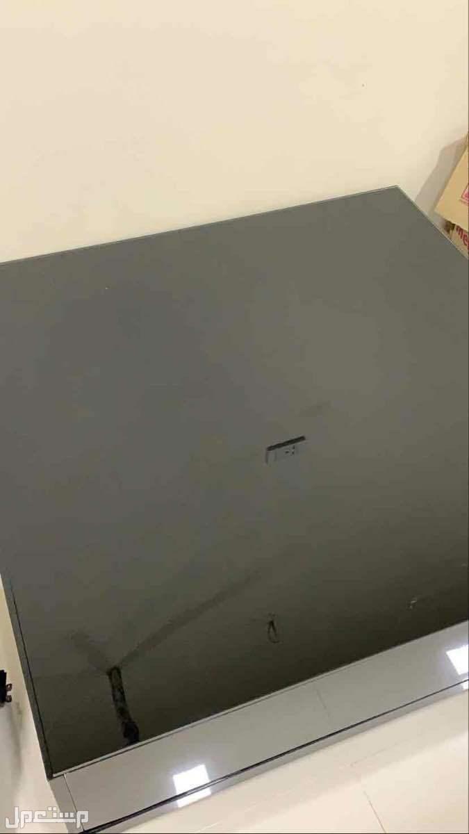 طاولة مربعة قزاز لون أسود