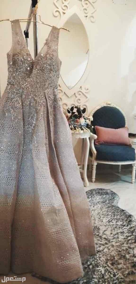 فستان فخم صورة فستان