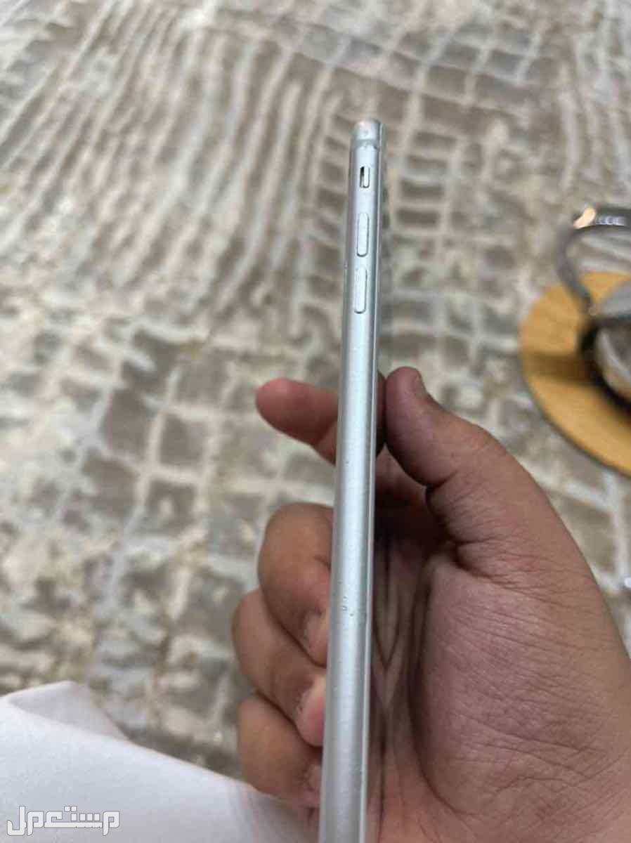 ايفون 8 بلص ابيض  نضيففف  بريده / الرياض / الحفر