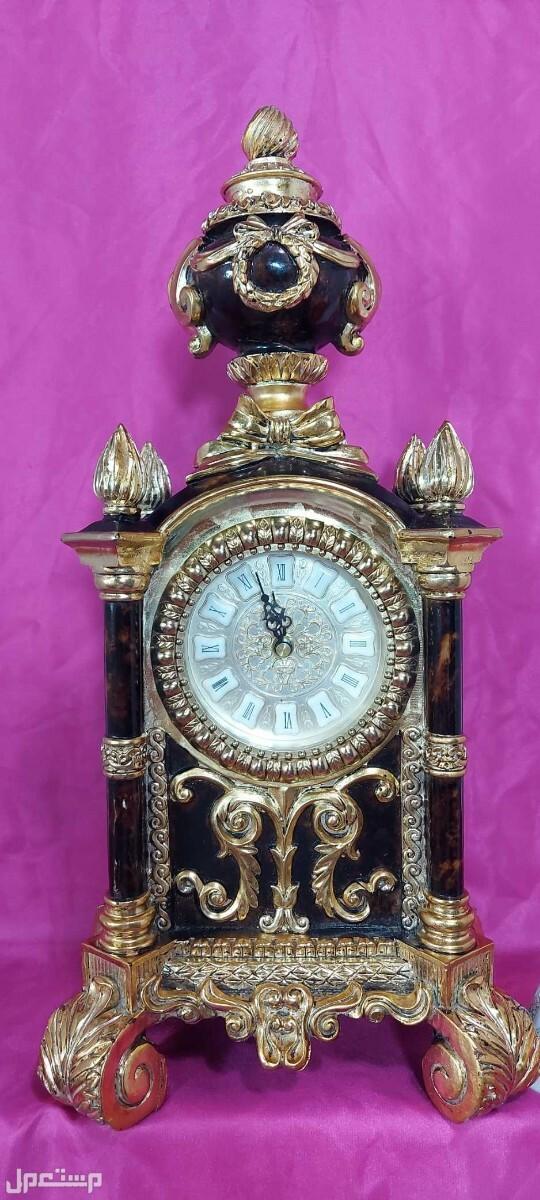 ساعة كبيرة وفاخرة على الطراز الفكتوري قطعة مميزة وجميلة