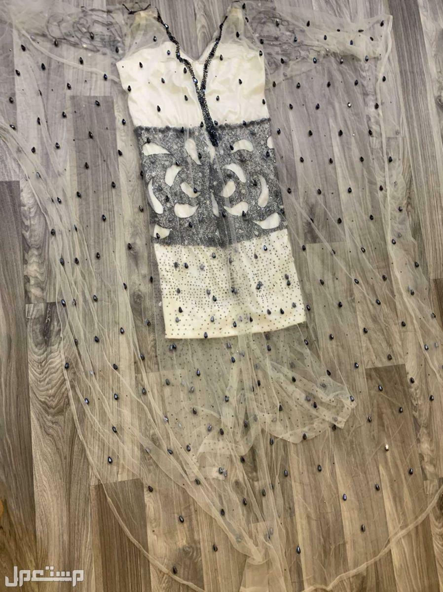 فستان من تصميم المصممة سحر الشرق