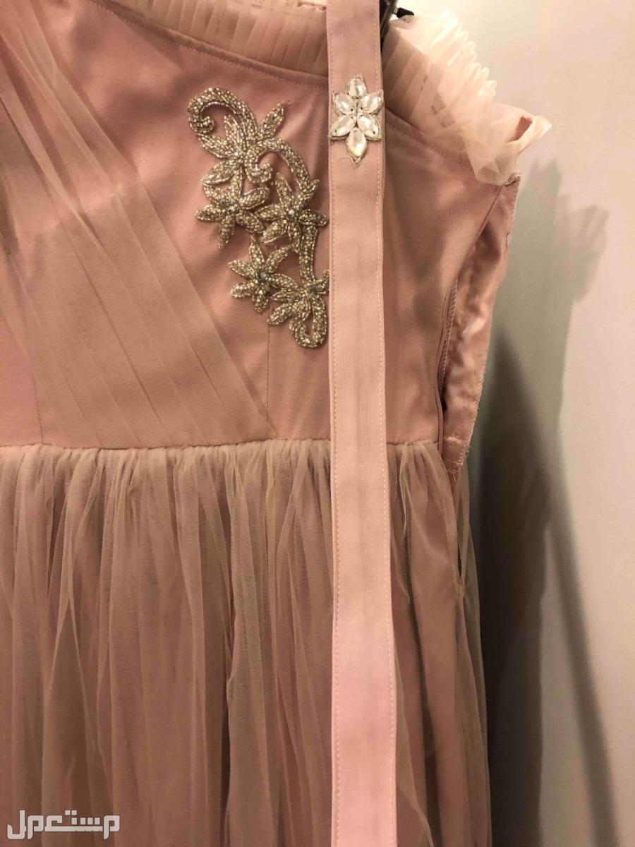 فستان سهره جديد ونظيفه استعمل مره وحده فقط سبب البيع شراء فستان جديد