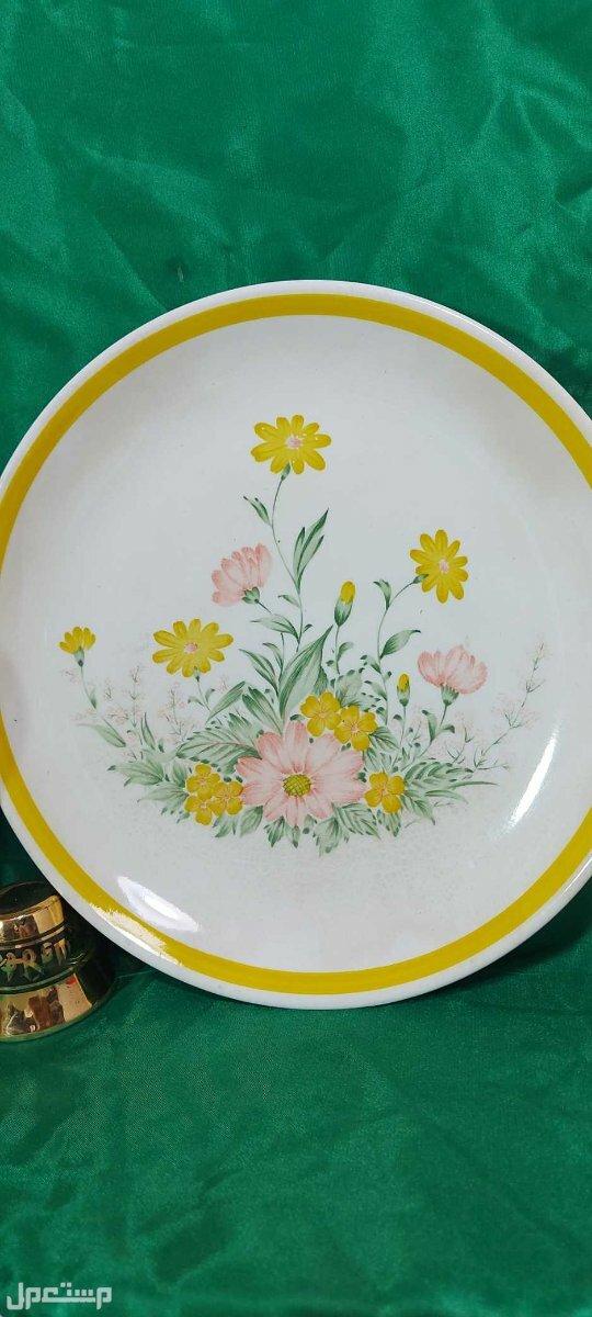 تراث وتحف صحون يابانية نادره رسم مائي يدوي جميل لزهور الربيع