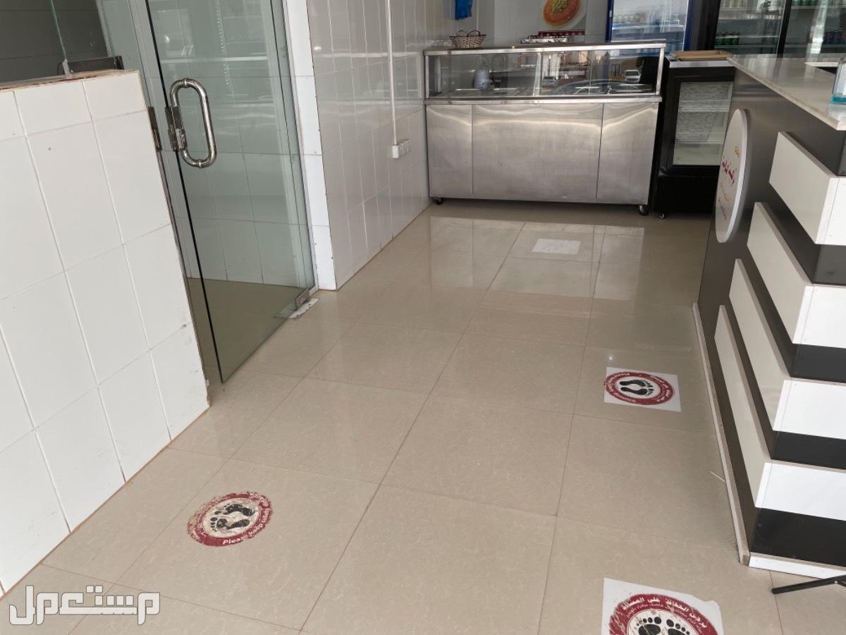 للتقبيل مطبخ ومطعم جاهز للعمل يحتاج فقط ادارة - غرب الرياض