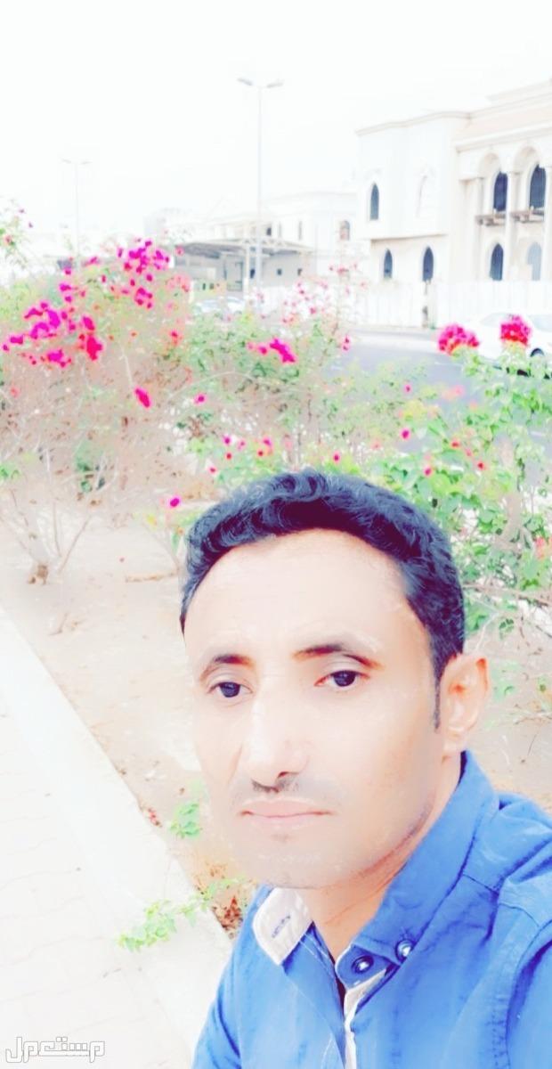 يوجد يمني مقيم في جدة يبحث عن عمل حارس عمارة  او استراحه