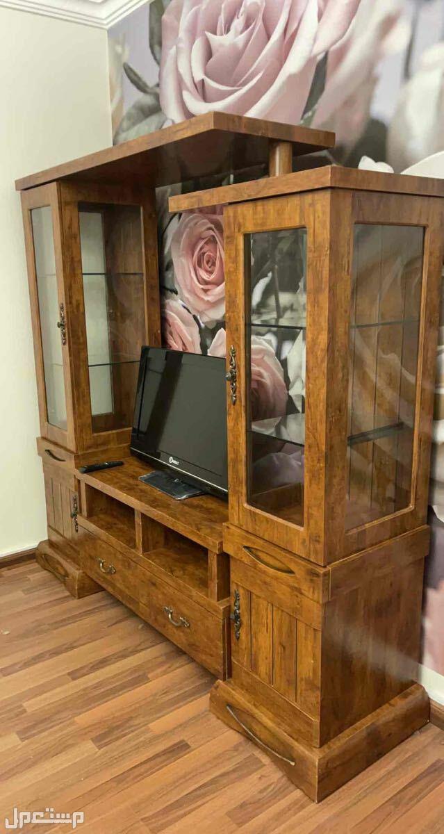 مكتبة تلفزيون وكتب خشب ماليزي نظيفه لا يوجد كسور