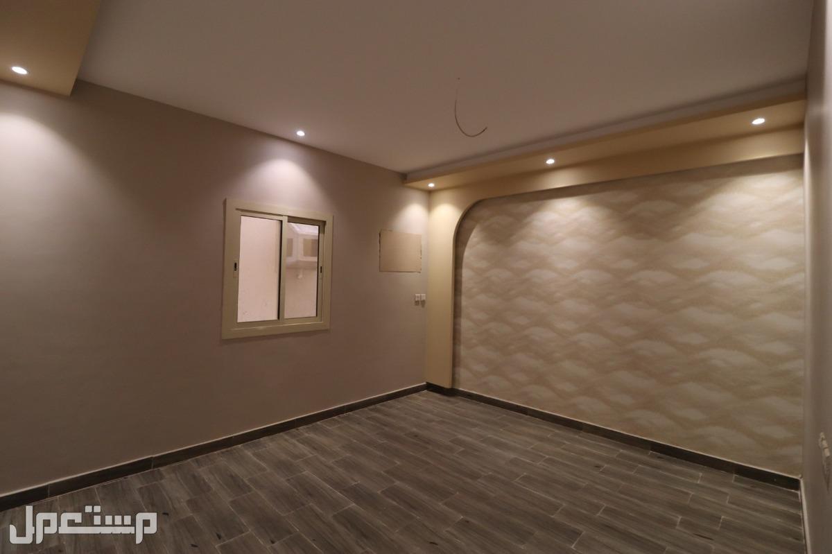 شقه 5غرف للبيع ب 350الف ريال من المالك