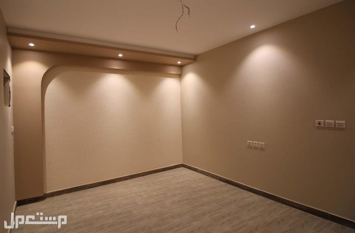 شقه للبيع 3غرف فاخره بمنافعها ب 240 الف ريال