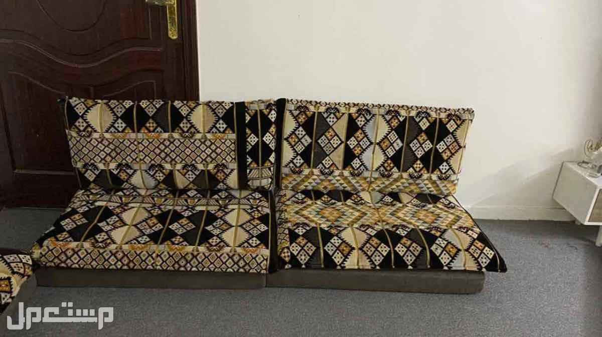 جلسة عربية نظيف للبيع السعر 150
