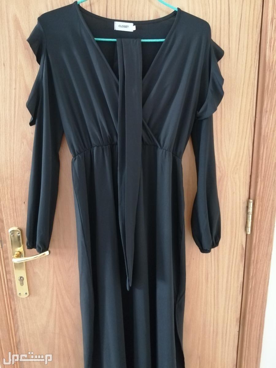 فستان غير مستخدم للبيع
