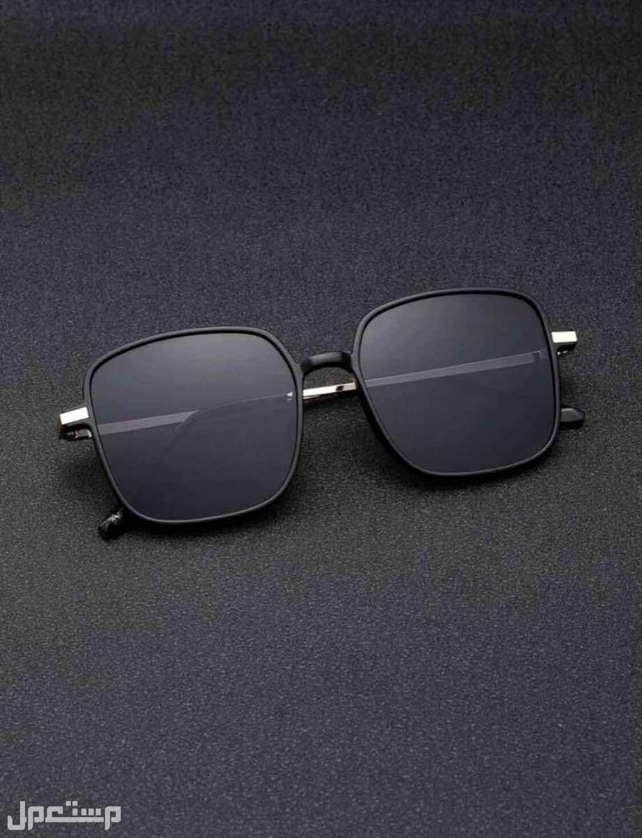 نظارات شمسية للرجال بإطار مربع وبعدسات ملونه