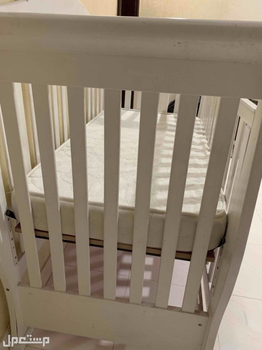 سرير اطفال ، سرير
