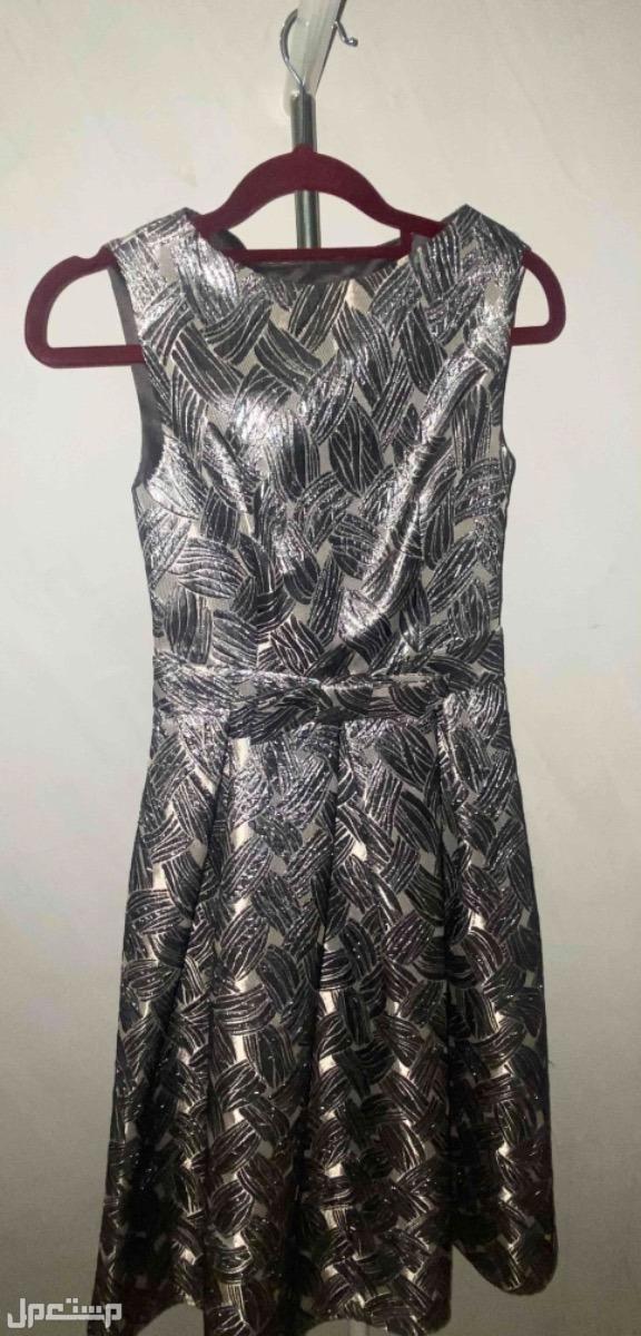 فستان جميل من ماركه انكلاين ملبوس فقط مره واحده