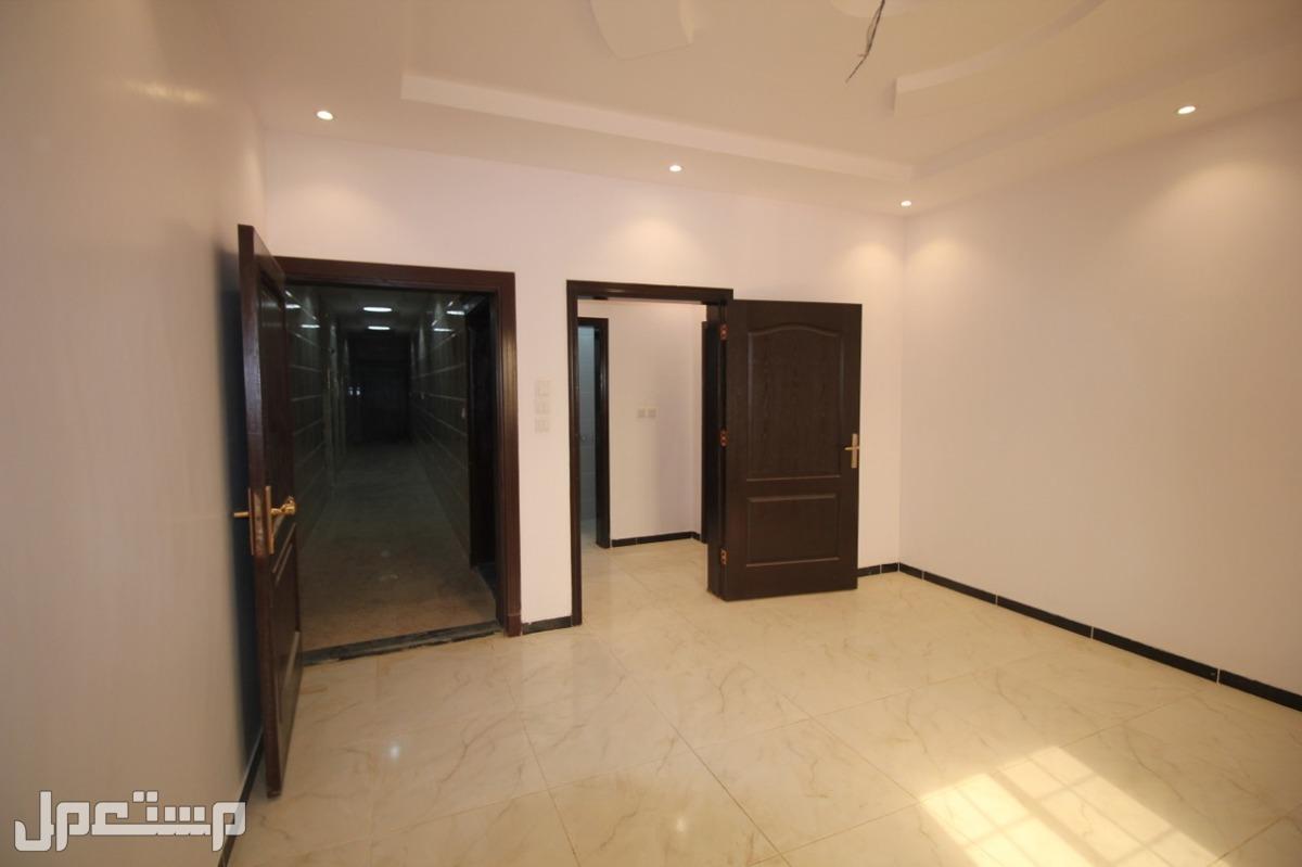 أغتنم الفرصة وتملك شقه 4غرف بمدخلين أفراغ فوري 3حمامات +صالة +مطبخ