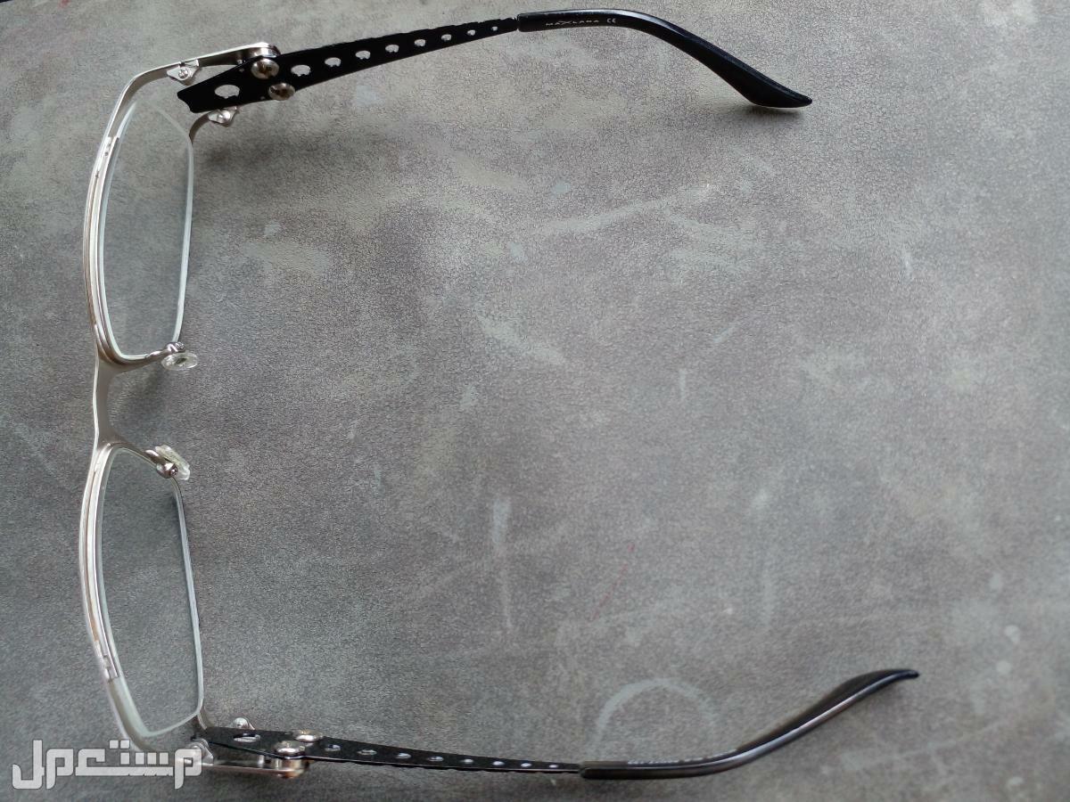 برواز نظارات أنيق