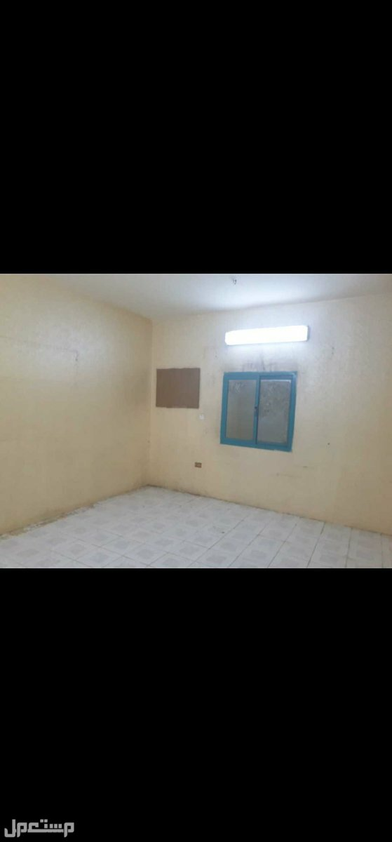 شقة حي الجامعه 3 غرف  ب 13 الف